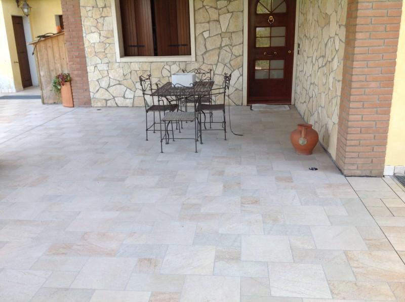 Brenpav pavimenti rivestimenti parquet mosaico piastrelle ceramiche a brendola vicenza - Posa piastrelle esterno ...