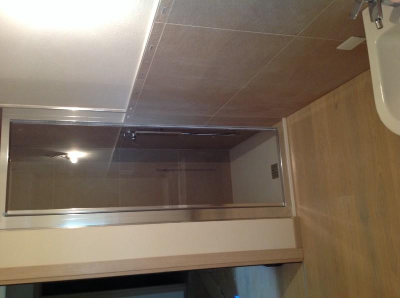Casa privata Brendola (Vi) Bagno con pavimento il legno Rovere Re Bianco Fiemme 3000 Rivestimento grès porcellanato 60x120