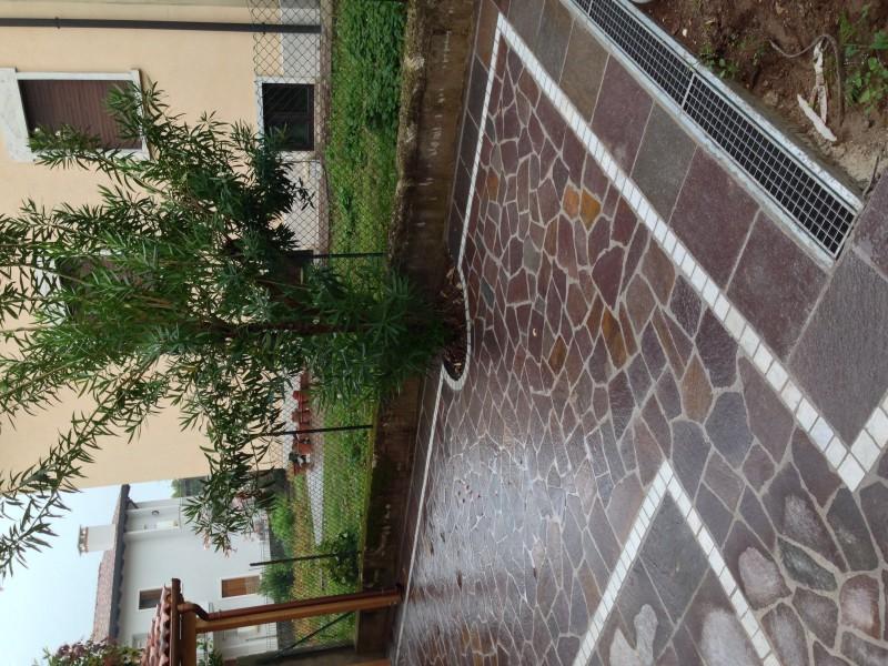 Pavimentazione esterna in porfido multicolor  Casa privata Montecchio Maggiore (Vi)