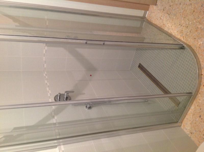 Casa privata Brendola (Vi) Particolare di piatto doccia realizzato in mosaico 2x2