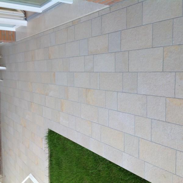 Pavimento esterno in grès porcellanato formato 20x40  Casa privata Brendola (Vi)