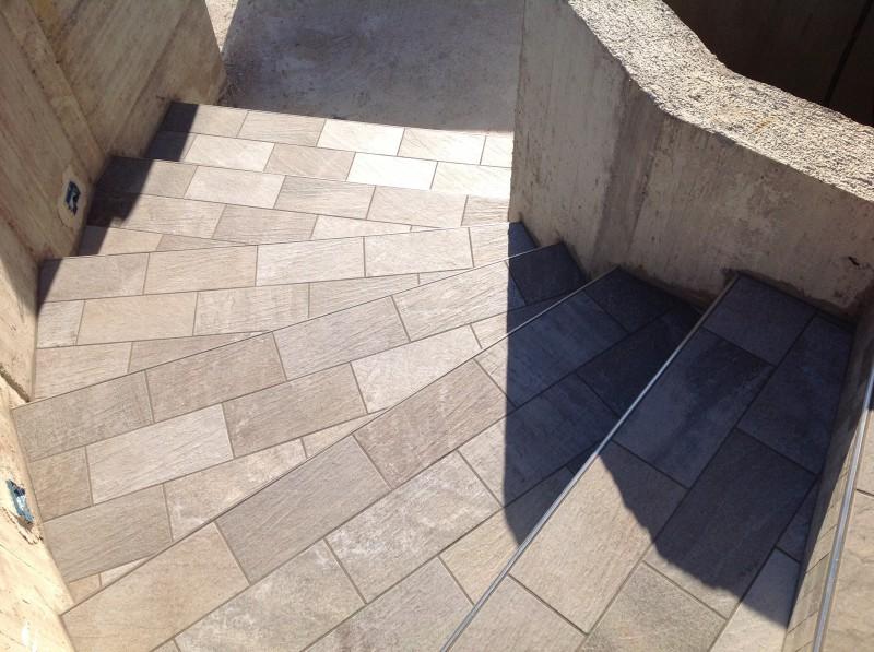 Brenpav pavimenti rivestimenti parquet mosaico for Piastrelle per scale esterne