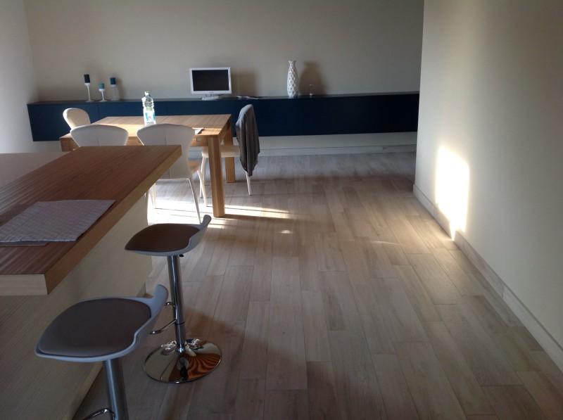 Casa privata Grancona (Vi) Pavimento gres porcellanato effetto legno due formati