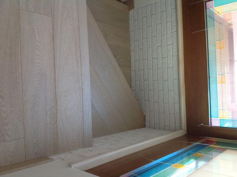 Casa privata Brendola (Vi) Scala alzata e pedata in legno Rovere light grey con toro quadro